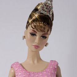 [FR] Crazy About Tiffanys holly Golightly Dressed Doll