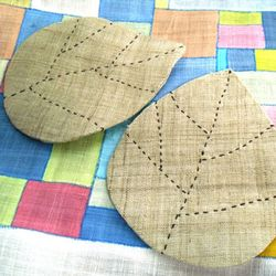 삼베로 만든 나뭇잎 컵받침