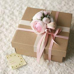 막대과자와 향초 선물상자
