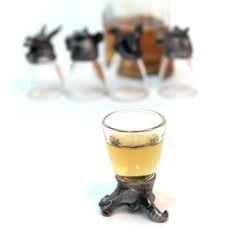 동물 술잔