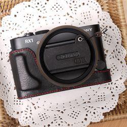 Sony RX1RX1R 겸용 속사케이스 + 캡스킨 - 블랙레드