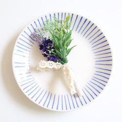 라벤더 들꽃 부토니에