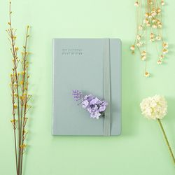 The notebook First edition [B6]