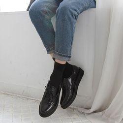 chic black loafer