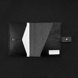 CONFEITO GENTLE PASSPORT WALLET-BLACK