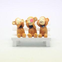 원숭이 3종 화이트나무벤치 세트 미니어쳐