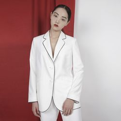 WHITE PIPING JACKET