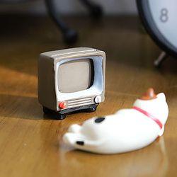 레트로 TV와 쌀밥 미니어쳐