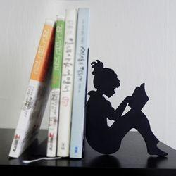 디자인북엔드 책읽는소녀