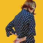 소매트임블라우스printing sleeve slit blouse
