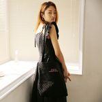 Ruffle canvas shoulder bag (black)
