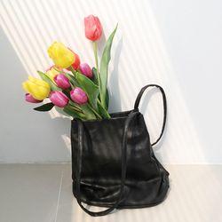 Simple soft shoulder bag
