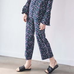 FLORAL PATTERN PIPING PANTS