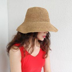 Luna straw floppy hat