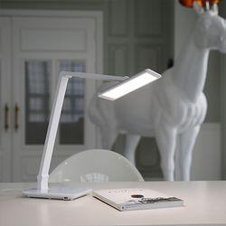 [1300K 단독특가] 프리즘 LED 스탠드 PL-3000 (면광원)
