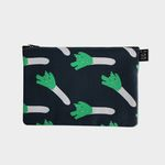 Green pouch m