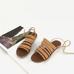 Unique string sandal