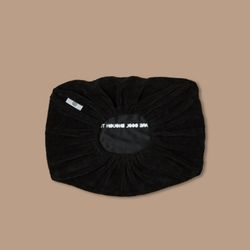 THE PILLOW COVER BLACK