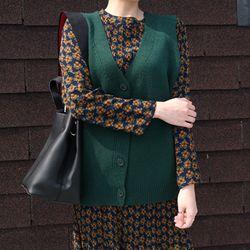 Daily button knit vest