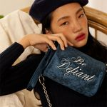 lettering pointed velvet cylinder bag (navy)