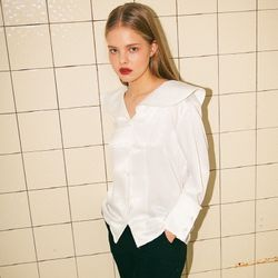 GLEAM WIDE COLLAR BLOUSE (IVORY)