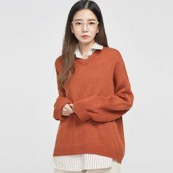 carrot loose fit v-neck knit