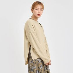 modern slit point unbalance knit