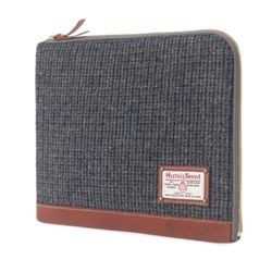 HARRIS TWEED SLEEVE BAG - GREY