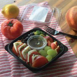 토마토 카프리제 어린잎 샐러드 (231kcal)