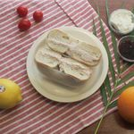 딸기 잼 토스트 (331kcal)