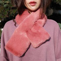 Very very smooth fur muffler