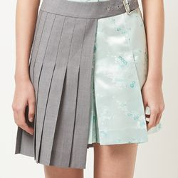 half pleats gray skirt