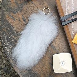 FOX FUR TAIL - White