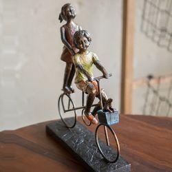 자전거타는 아이들