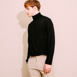 심플 터틀넥 니트 티셔츠 블랙