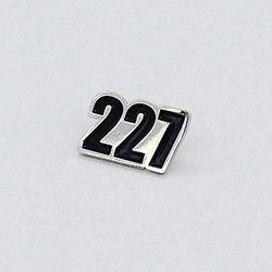 227 이이칠 LOGO BADGE 로고 뱃지