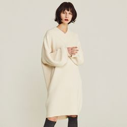 OVERSIZE V-NECK KNIT ONE-PIECE (IVORY)