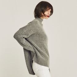 MOCK-NECK VENT ANGORA SWEATER (GRAY)