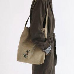 흩날리는 shoulder bag beige