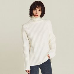 SOFT RIBBED TURTLENECK SWEATER (IVORY)