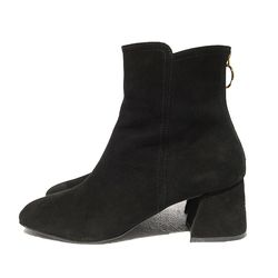 BACK ZIPPER SUEDE BOOTS (BLACK)