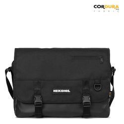 ICON MESSENGER BAG - BLACK