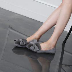 [쿠루] 여성 1cm 리얼 양털 리본 스웨이드 플랫 G6442