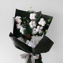 목화 & 유칼립투스 블랙 꽃다발