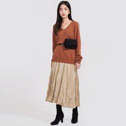 thin v-neck wool knit