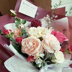 블러썸 버건디 꽃다발