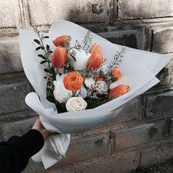 졸업입학 꽃다발 오렌지 화이트 작약