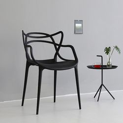 SPIDUR 의자
