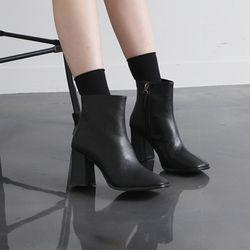 [쿠루] 여성 8cm 발등 스티치 스퀘어 앵클부츠 G6508