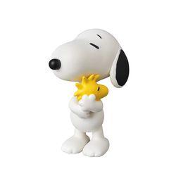 Snoopy Holding Woodstock (PEANUTS Series 7)
